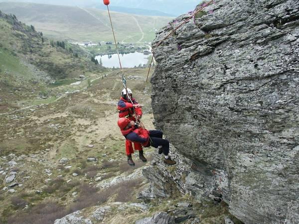 Klettersteig Griffen : Bergsteiger aus klettersteig am schlossberg in griffen gerettet