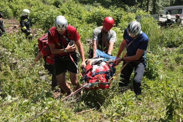 Klettersteig Postalmklamm : Bergrettung trugen verletzte vom postalmklamm klettersteig in tal