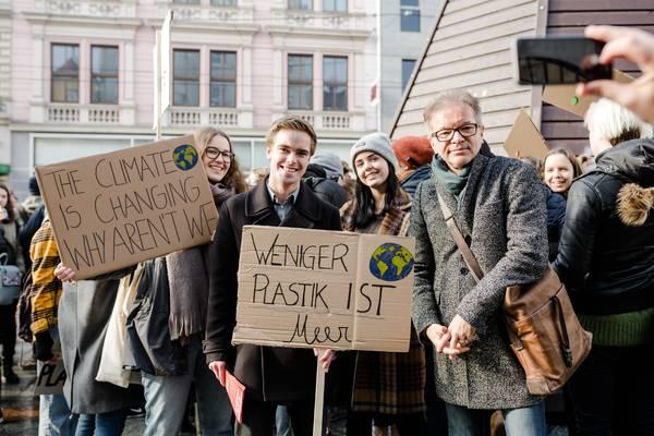 "Fridays For Future Detail: Oberösterreich: LR Anschober: ""Fridays For Future"" Bringt"