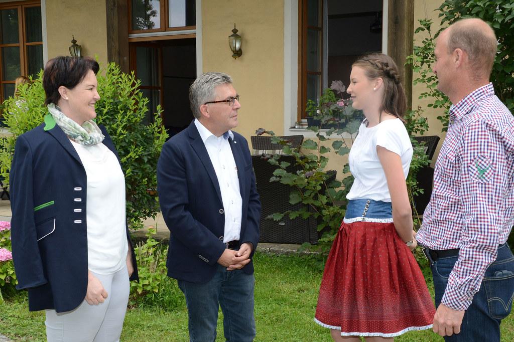 Pichling bei kflach bekanntschaften: Sierndorf frau single